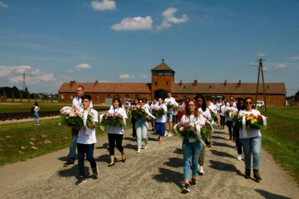 Pellegrinaggio_a_Auschwitz__Birkenau__Global_Friendship_to_Live_Together_in_Peace__20_luglio_2019_1.jpeg